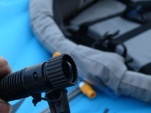 Screw-on adaptor for AdvancedFrame Kayaks