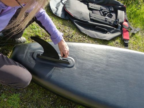 Attaching the fin.