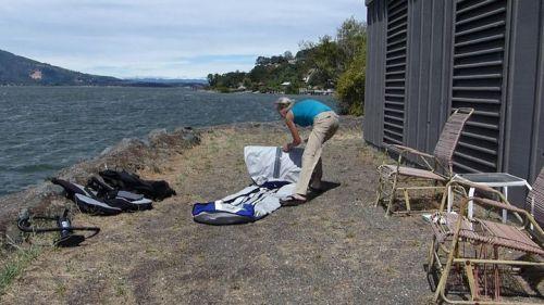 Unfolding the kayak body.