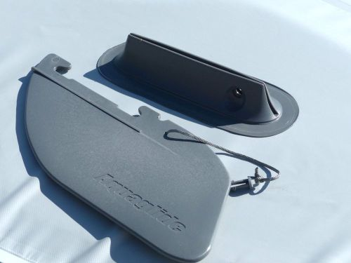 Removable tracking fin