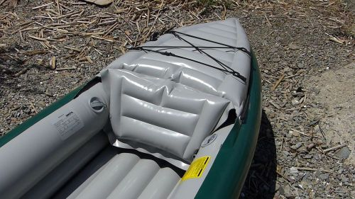 Bungee deck lacing and rear seat