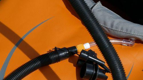 Twistlock valve