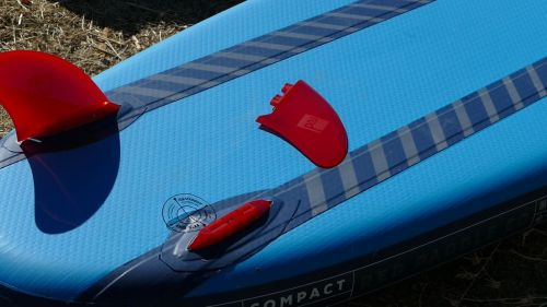 Installing the Red Paddle Compact fins